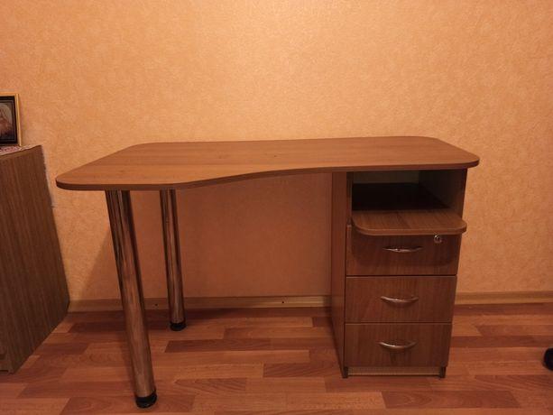Продаю рабочий стол