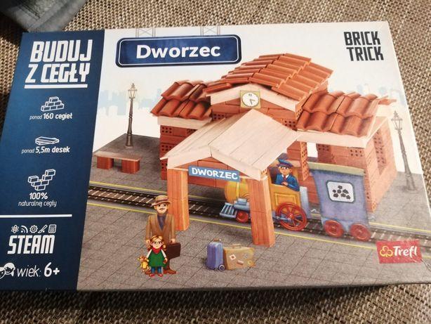 Zestaw buduj z cegły - Dworzec Brick Trick