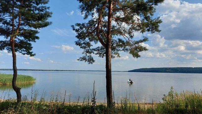 Продам участок на берегу Печенежского водохранилища.