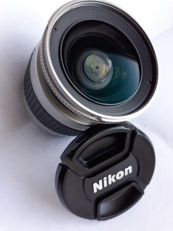 Nikon 28-80 mm 1:3.3-5.6 G Nikkor / Silver/ super stan