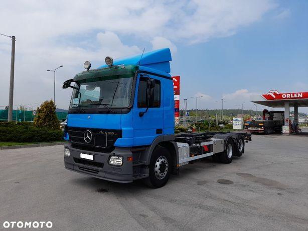 Mercedes-Benz Actros 2536  Do zabudowy 3 osiowy BDF Ładny stan Euro 5