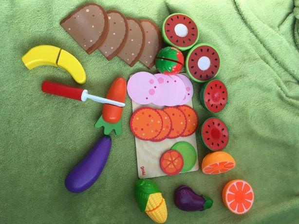 zestaw drewnianych owoców do krojenia