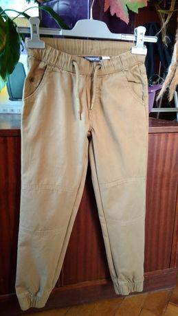 Spodnie - rozm 122