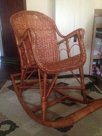 Cadeira de baloiço em verga