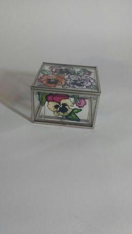 Szkatułka puzderko szklana ręcznie malowana bratki na obrączki