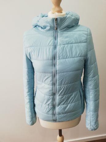 Pikowana kurtka jasno niebieska