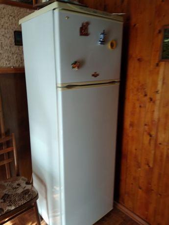 Продам холодильник NORD, высота 180см, ширина 58см.