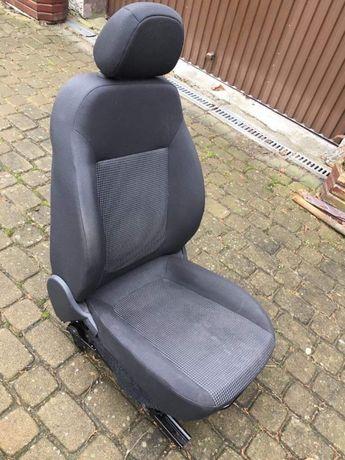 Opel corsa d lift 5d 2013 fotel kierowcy i pasażera