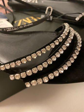 Sandálias Zara novas