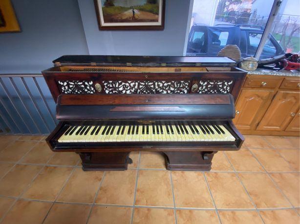 Piano / Orgão antigo