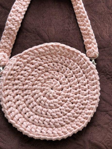 Okrągła torebka ze sznurka bawełnianego
