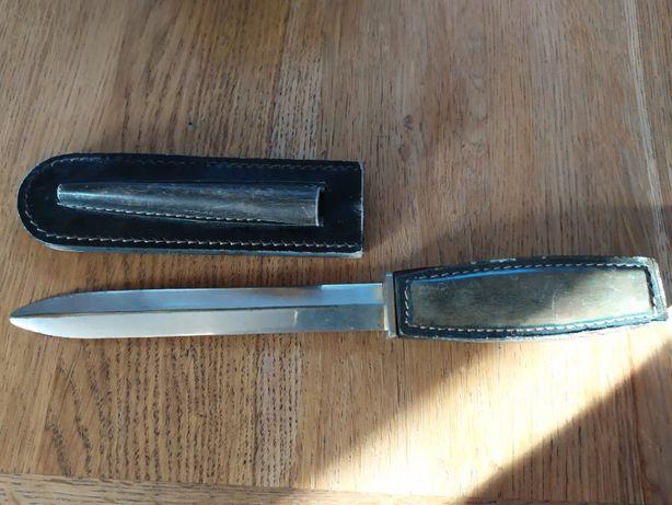 Stary kolekcjonerski nóż sztylet