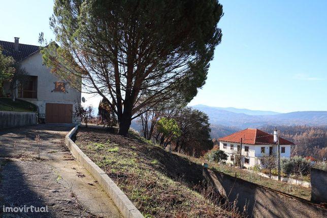 Venda de Moradia T4 em São Martinho da Cortiça