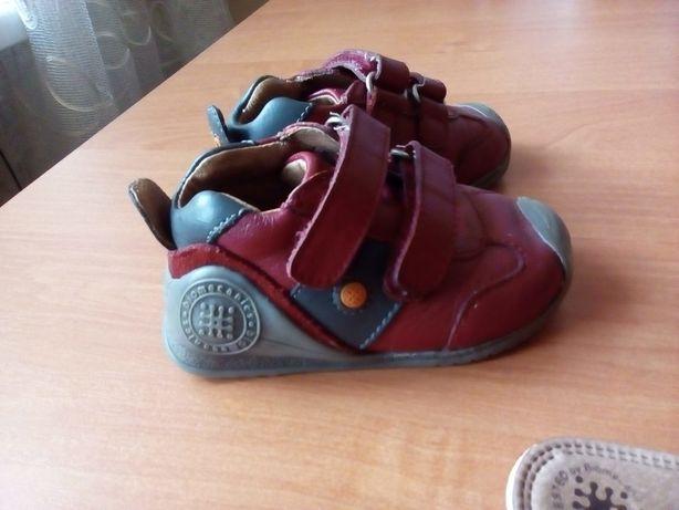 Классные кожаные фирменные туфли на малыша 18 размер