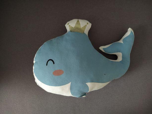 Poduszka dekoracyjna wieloryb pokój dziecięcy styl morski, skandynawsk