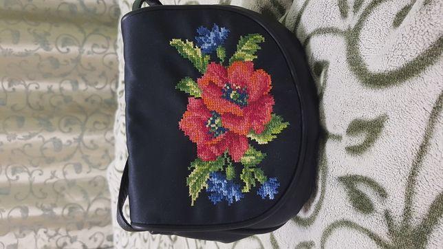 Вишита сумочка