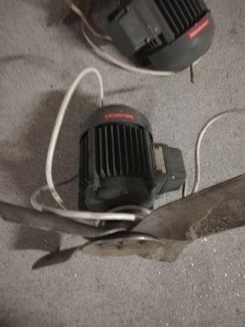 Motor eléctrico com ventoinha