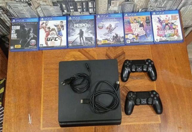 Продам PS4 slim 1 ТВ с комплектом