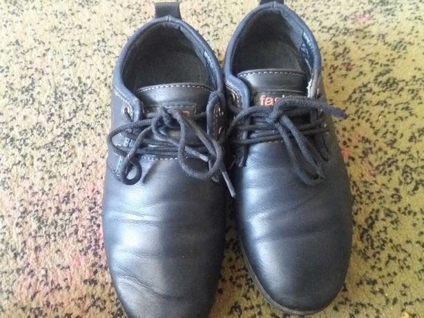 Туфли / ботинки на первоклассника