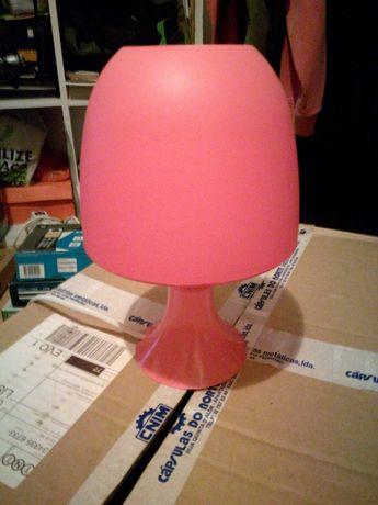 Candeeiro cor de rosa