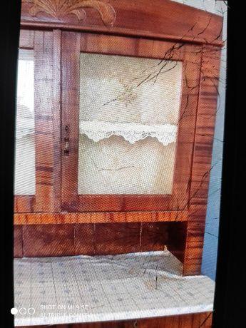 Stary Kredens drewniany