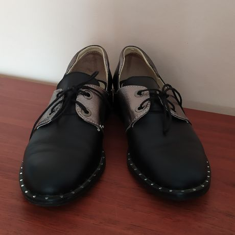 Продам підліткові черевики для дівчинки 37 розмір ( шкіра )