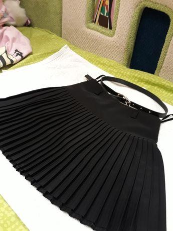 Продам юбку для девочки