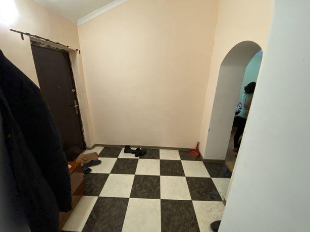 Продам 2-х комнатную квартиру в Остре.