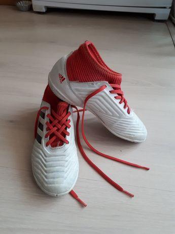 Футбзалки  adidas. PREDATOR .33р . 20, 5 см по стельке