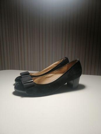 Замшевые туфли. 37 размер