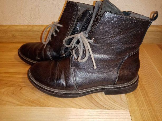 Ботинки демисезонные 32р