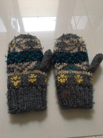 Rękawiczki RESERVED rozmiar 128/134 szare w kolorowy wzór