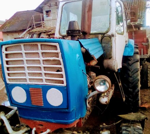 Продам трактор .