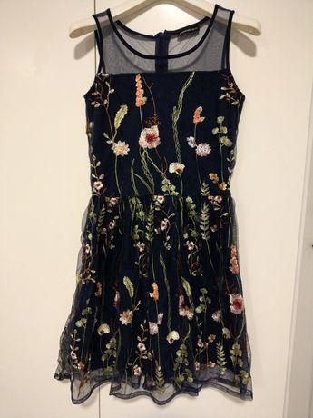 Elegancka sukienka, haftowana, na święta RESERVED 158