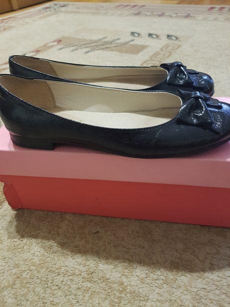 buty, czółenka, czarne, dla dziewczynki, skórzane, rozmiar 33