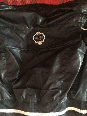Куртка дольче Габана s очень модная и стильная