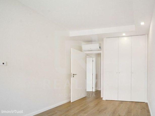 Apartamento T3 novo com elevador e arrecadação - Seixal