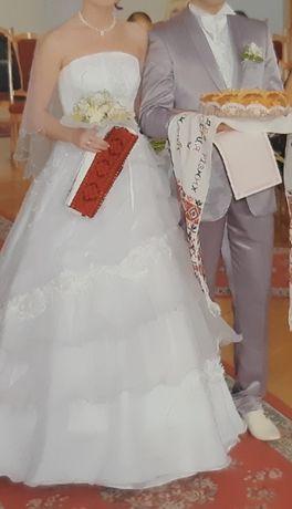 Весільна сукня 38-40, прикраси, весільний костюм 48, жилетка