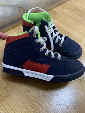 Ботинки на мальчика (33 р)