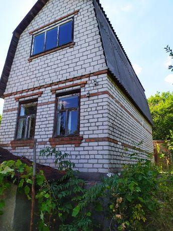 Продам дачный участок участок 6 соток с кирпичным домом,4м*7,5м; 2 эт.