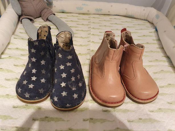 2 pares de botas de menina em pele, tamanho 21.