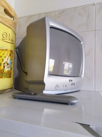 Televisão pequena LG