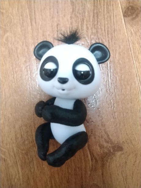 Интерактивная ручная панда WowWee Fingerlings.