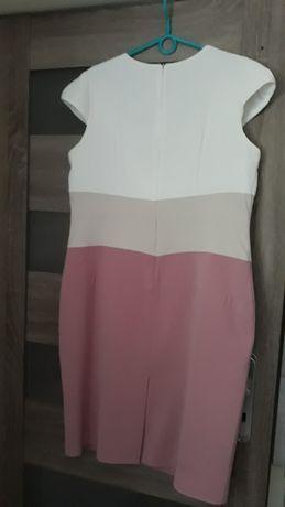 Sprzedam dużą sukienkę