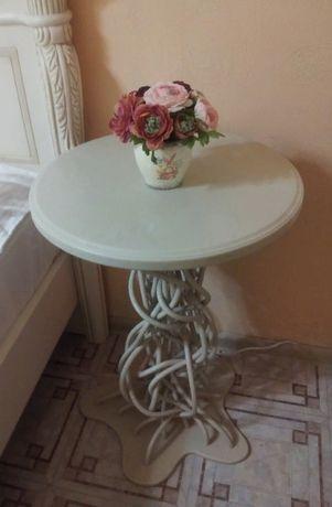 Оригинальный Столик из искусственного камня