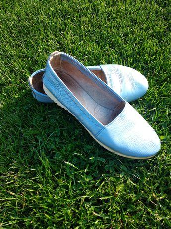 Шкіряні туфлі балетки
