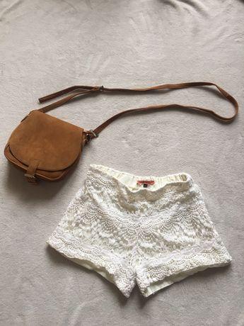 Białe koronkowe krótkie spodnie spodenki • Bershka 36 S • boho,vintage