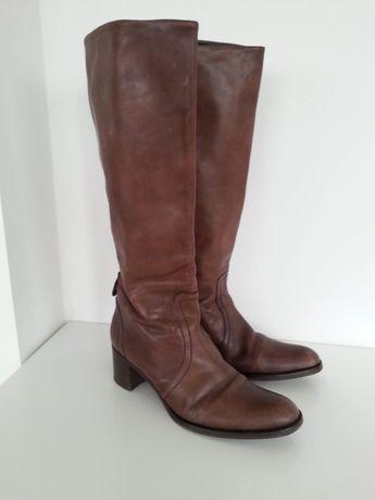 Buty kozaki skórzane Bata w rozmiarze 39