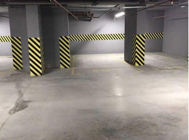 32 жемчужина, паркинг, место возле лифта. ODS