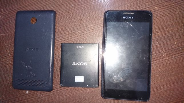 Продам Sony D2105 неробочий
